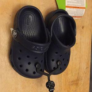 New kids crocs navy color size c7